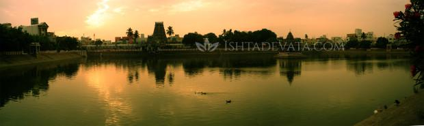 Mylapore_tank_at_dawn_panorama