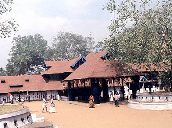 Kodungalloor Sree Kurumba Bhagavati Templez