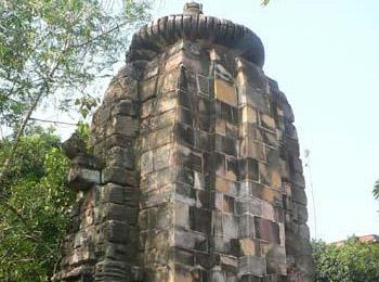 Pabaneshwar Temple   Daiteshwar Temple