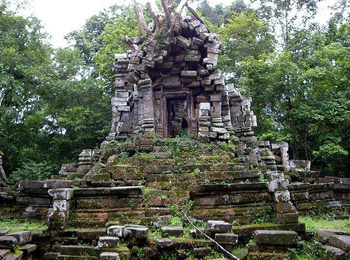 East Prasat Top Temple