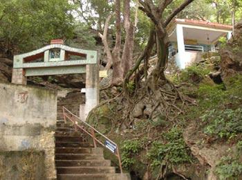Suruli Velappar Temple