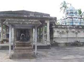 Naduthariyappar Temple