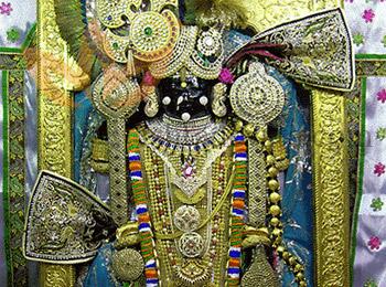 Dwarkadhishji / Navneet Priya Ji Temple